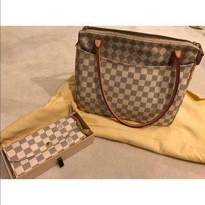 Louis Vuitton purse + wallet